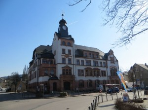 Das Bild zeigt das Rathaus in Thalheim