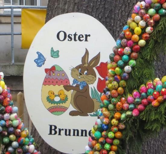 Osterbrunnen Hinweistafel