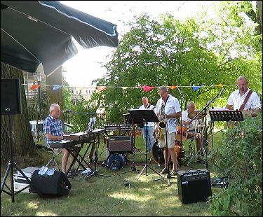 Michael Barth & Swingfreunde beim Sommerfest 2016 der Neukirchner Villa