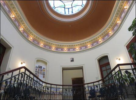 oberes Stockwerk im Treppenhaus der Neukirchner Villa